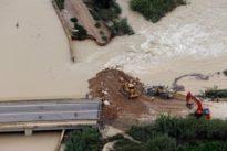 Una nueva rotura en la mota del Segura en Almoradí provoca la salida de aguas