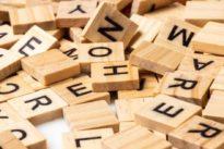 Por qué los colegios de Finlandia solo enseñan a escribir en mayúsculas