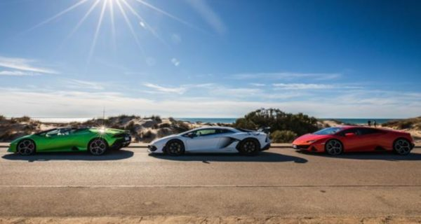 Recorremos Cádiz a bordo de la gama más imponente de Lamborghini, un derroche de aptitud