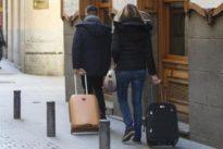 El número de pisos turísticos disminuye en España por primera vez
